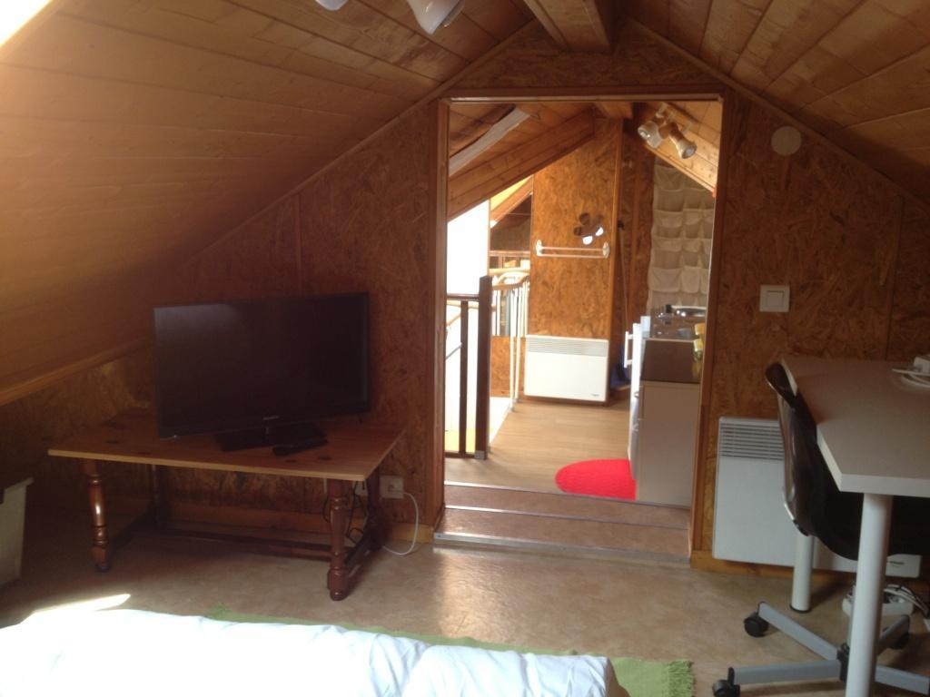 duplex meubl dispo clermont ferrand rue paul collomp. Black Bedroom Furniture Sets. Home Design Ideas